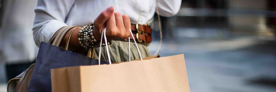 Black Friday or Cyber Monday: Which Should You Choose?